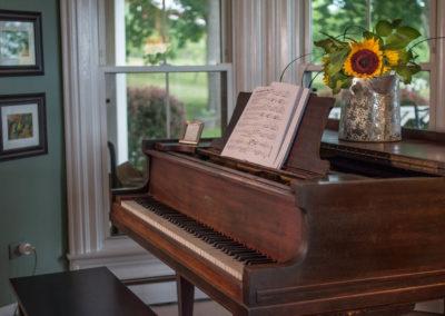 Piano, Magnolia Place Bed & Breakfast, Finger Lakes, NY