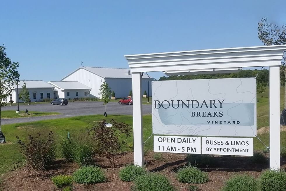 Boundary Breaks Vineyard, Magnolia Place Bed & Breakfast, Finger Lakes, NY